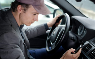 Minimize your risk of distracted driving with these 7 tips